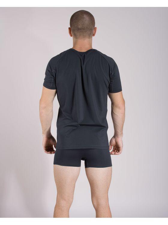 Памучна тениска с боксерки 0506 на модел отзад