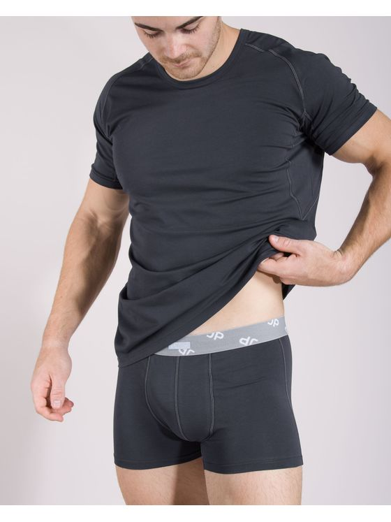Памучна тениска с боксерки 0506 на модел отпред
